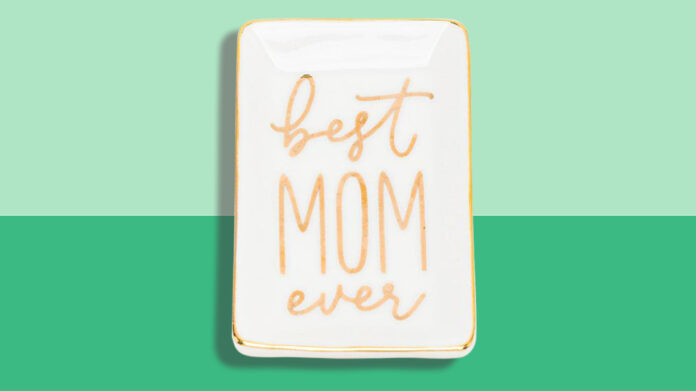 Best Gifts to Share with your Mother as a Family